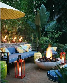 Love fire pits- is that decomposed granite on the floor???