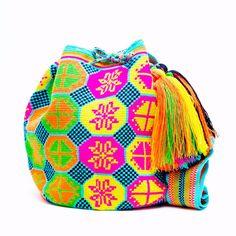 15% Wayuu Mochila Bag - Woven One Thread. Quick Ship Anywhere, and International! $211.65 #wayuubags www.wayuutribe.com