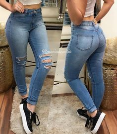 La imagen puede contener: una o varias personas y calzado Cute Ripped Jeans, Sexy Jeans, Skinny Jeans, Denim Fashion, Fashion Outfits, Best Jeans For Women, Looks Jeans, Business Casual Outfits For Women, Moda Chic