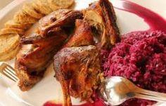 Sült kacsa almával, párolt káposztával | kemence Chicken Wings, Food, Meal, Essen, Hoods, Meals, Eten, Buffalo Wings