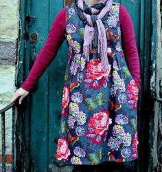 GORGEOUS!! This is the Washi dress pattern from Made by Rae. This one was made using Anna Marie Horner fabric by Lindsay from The Cottage Home.