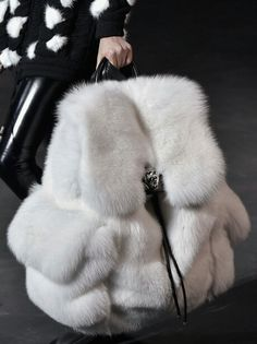 This says to me...I will kill for fashion....