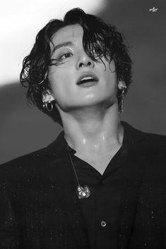 Jungkook, The God of Love & desire, who is capable of making anyone f… Foto Jungkook, Foto Bts, Jungkook Oppa, Bts Photo, Bts Bangtan Boy, Jung Kook, Busan, Seokjin, K Pop