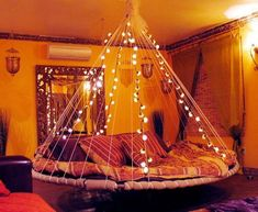 Floating Bed installed in Bed & Breakfast Inn. Source: The Floating Bed Co. Awesome Bedrooms, Cool Rooms, Cool Bedroom Ideas, Dream Rooms, Dream Bedroom, Fantasy Bedroom, Pretty Bedroom, Trampoline Bed, Recycled Trampoline