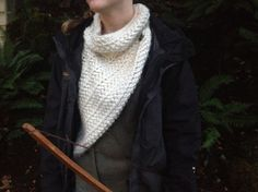 Are any of you planning to see Catching Fire? I can hardly wait. (You probably noticed the countdown in my sidebar.) In all the trailers Katniss is wearing this super cool cowl/shawl thingy, so I s...
