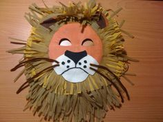 Jungle themed paper plate lion mask