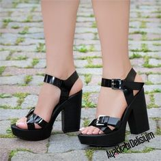 Suduva Rugan Siyah Kalın Topuklu Ayakkabı #black #shoes #platform #heels