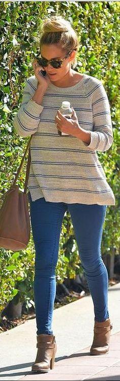 Lauren Conrad: Sunglasses – Sunday Somewhere Shoes and jeans – LC Lauren Conrad    11