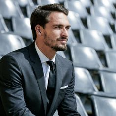 Mats Hummels for Hugo Boss Michael Ballack, Sharp Dressed Man, Well Dressed Men, Mens Fashion Suits, Mens Suits, Men's Fashion, Daily Fashion, Fashion Tips, Mats Hummels