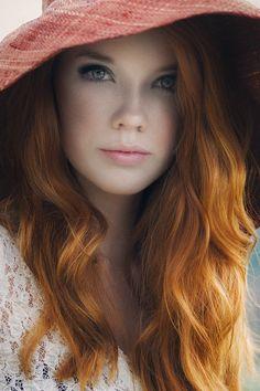 Beautiful Redhead Girl ➳❤  ⊱ℳℬ⊰                              …