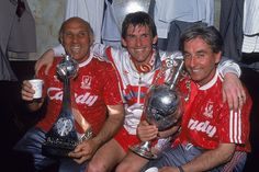 ♠ The History of Liverpool FC in pictures - Kenny Dalglish, Ronnie Moran and Roy Evans celebrate their First Division triumph in 1990 #LFC #History #Legends