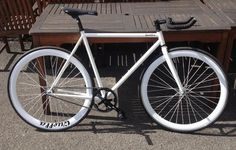 Just got the news from the @QuellaBicycle boys that my bike is arriving on Wednesday #cantwait #quella pic.twitter.com/oiNZELBS7z
