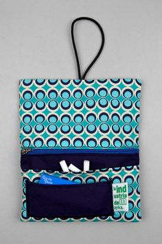 Couture, Pouches, Vip, Sewing Projects, Leather, Bags, Fashion, Scrappy Quilts, Toiletry Bag