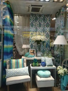 Here at prestigious we are simply loving this beautiful window display, created by our stockist; Bela Bouchara (Paris). This stunning window in their Cannes showroom, emulates the style of our new Sumatra range perfectly by teaming our Indigo colour way with crisp white accessorise. Congratulations to Bela Bouchara for their stunning window!