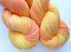 sweetfishknits: BFL Sock Yarn - Hand Dyed 75/25 BFL/Nylon Fingering Weight Yarn in Georgia Peach Colorway So pretty <3