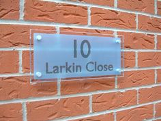 The #fashion for your front door Stunning #blue #frosted #numbers Sign you can get it here --> http://www.de-signage.com/contemporary-house-signs-rectangle.php …   pic.twitter.com/jWbxLDIBW9