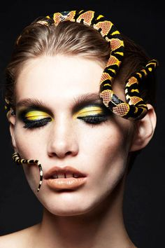 Snakes and Girls por Alexandra Leroy