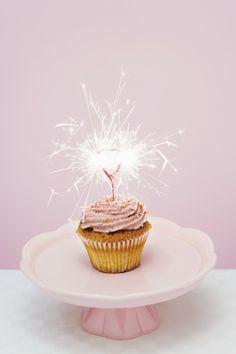 Pink Cupcakes - baby shower dessert ideas//