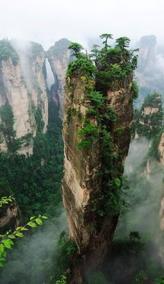 Hallelujah Mountains, China - These Chinese mountains are the inspiration for creating the environment in the movie Avatar and they are wonder of nature. (Mother Nature, never ceases to amaze moi! Zhangjiajie, Places To Travel, Places To See, Places Around The World, Around The Worlds, Chinese Mountains, Parc National, National Forest, National Parks