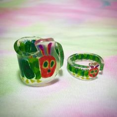 The Hungry Caterpillar! Plastic Resin, Uv Resin, Resin Ring, Shrink Plastic, Resin Art, Resin Jewelry, Plastic Plates, Jewellery, Resin Crafts