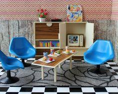 Vintage en plastique Modella Dollhouse meubles TV chaises tulipe mural