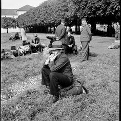 Mobilmachung 1939: Einberufung der Hilfsdienstpflichtigen im Kasernenhof in Zürich. (RDB)