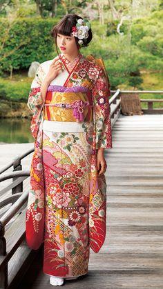 National Costume of Japan - Beautiful Kimono. Traditional Japanese Kimono, Traditional Dresses, Oriental, Geisha, Kabuki Costume, Yukata Kimono, Kimono Dress, Vietnam Costume, Kimono Design