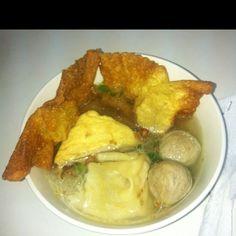 Hot n hottt not too spicy Bakwan Malang w/ meat ball, tofu...yum yum