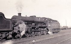 LMS 45718,DREADNOUGHT Buses And Trains, Steam Railway, Train Pictures, British Rail, Steam Engine, Steam Locomotive, Diesel Engine, Leeds, Abandoned Places