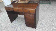 Bonanza íróasztal szép állapotban költözés miatt sürgősen eladó