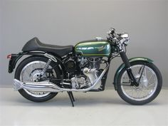 Velocette Owners Club - Dorking Centre - A Review of the Velocette Venom Clubman