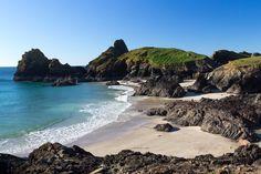 The best dog-friendly beaches in Cornwall | www.coastmagazine.co.uk