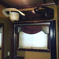 Campbell's Creations: Steven takes pride in designing and creating uqiue and affordable home decor items. Contact him today for all of your custom, western home furnishings.HORSE TRAILER HAT RACK