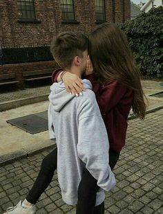Image about girl in Couples 👫 by JL on We Heart It Tumblr Couples, Teen Couples, Romantic Couples, Young Cute Boys, Young Love, Relationship Goals Pictures, Cute Relationships, Cute Couples Goals, Couple Goals