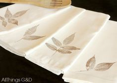 diy leaf stamped napkins, go green, painting, repurposing upcycling, seasonal holiday decor Light Up Canvas, Diy Pumpkin, Textiles, Boho Diy, Cloth Napkins, Linen Tablecloth, Diy Wreath, Square Quilt, Fall Crafts