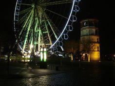 Riesenrad von Oscar Bruch am Schlossturm zur Weihnachtszeit.