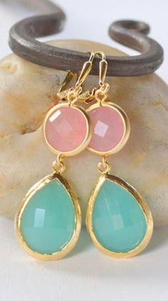 aqua, pink + gold. loving these colors together!
