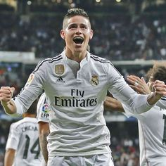 「@jamesrodriguez10 has scored 12 goals and provided 10 assists in La Liga during his first season as a Real Madrid player! ⚽️ #James ha marcado 12 goles y…」