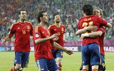 @RFEF Sergio Busquets, Álvaro Arbeloa, Xabi Alonso y Fernando Torres celebrando un gol de David Silva #9ine