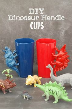 What a great idea for a birthday party with a dinosaur theme! Use inexpensive plastic tumblers and plastic dinosaurs to make these awesome DIY Dinosaur Handle Cups! Plastic Dinosaurs, Plastic Animals, Diy For Kids, Crafts For Kids, Die Dinos Baby, Boutique Deco, Dinosaur Crafts, Dinosaur Birthday Party, Rainbow Birthday