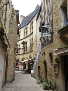 Sarlat, Lot, France Places To Travel, Places To See, Travel Destinations, Aquitaine, South Of France, France Travel, Around The Worlds, Europe, Romantic