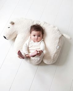 Baby boy chilling - white bear pillow #wow #kids #style
