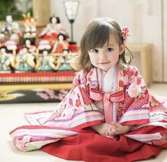 It& so cute that you can& see the dolls. Cute Little Girls, Cute Baby Girl, Cute Kids, Cute Babies, Baby Kids, Sewing Kids Clothes, Sewing For Kids, Beautiful Children, Beautiful Babies