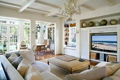 love all the natural light (via brooke gianetti) family-rooms