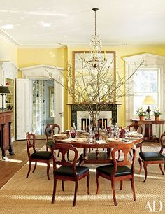 Dining Room Design Inspiration - Holiday Tablescapes Photos | Architectural Digest