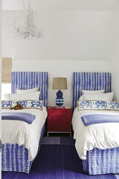 blue and white twin bedroom | Jenny Keenan Design