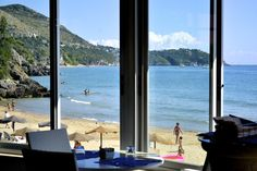 Take a break and have something to drink in the wonderful SUMMIT bar by the seaside.
