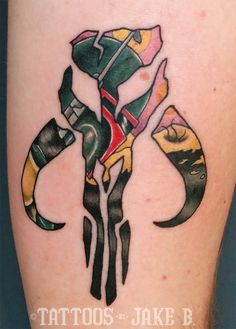What does boba fett tattoo mean? We have boba fett tattoo ideas, designs, symbolism and we explain the meaning behind the tattoo. Boba Fett Tattoo, Movie Tattoos, Body Art Tattoos, Sleeve Tattoos, Book Tattoo, Tattoo You, Future Tattoos, Tattoos For Guys, Star Wars
