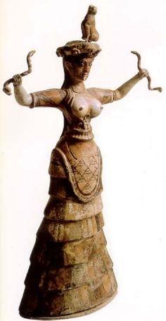 Dea dei Serpenti o Dea Madre Minoica
