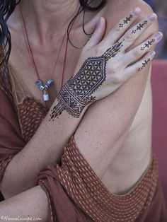 https://flic.kr/p/phjzzm | Seed of life henna by www.hennalounge.com | Darcy is a henna artist based in the San Francisco Bay Area (Oakland) and occasionally in Tulum, Mexico